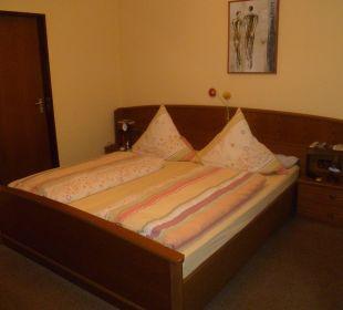 Alte Möbel, aber gute Matratzen Gästehaus Albers