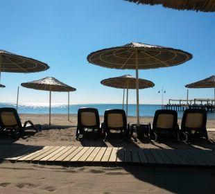 Gepflegter Sandstrand Gloria Verde Resort