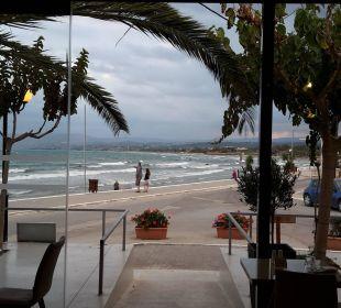 Blick zum langen Sandstrand Hotel Corissia Princess