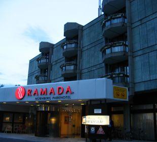Der Eingangsbereich Ramada Nürnberg Parkhotel