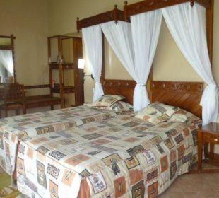 Bequemes Bett... Hotel Lake Nakuru Lodge