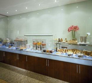 Breakfast K+K Hotel Cayré