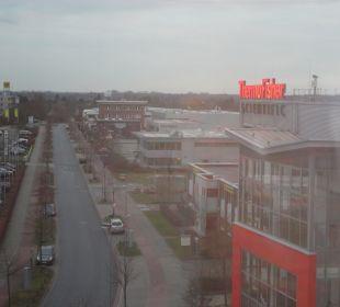 Ausblick aus Flurfenster Holiday Inn Express Hotel Bremen Airport