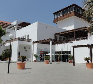 Haupthaus vom Pool kommend Fuerteventura Princess