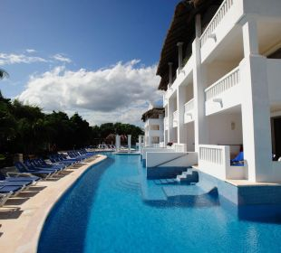 Pool Access Grand Riviera Princess All Suites & Spa Resort