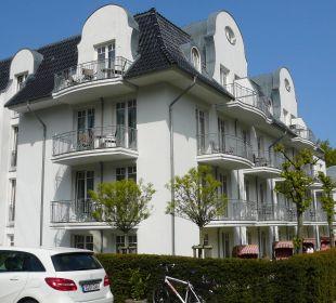 Ansicht vom Parkplatz Vier Jahreszeiten Kühlungsborn -  Hotel