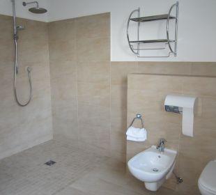 Bad mit Dusche Silence & Schlosshotel Mirabell