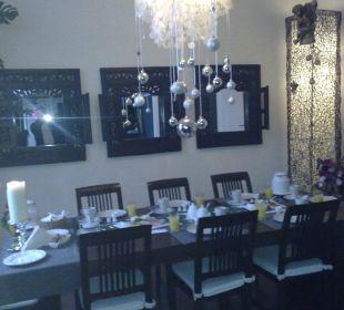 hotelbilder pension martinez in hamburg holidaycheck. Black Bedroom Furniture Sets. Home Design Ideas