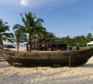 Dekoschiff am Strand Hotel Holiday Inn Resort Goa