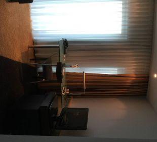 Wohnzimmer mit Schreibtisch Hotel Dorint an der Messe Köln