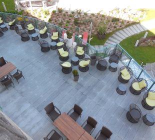 Rosensuite- Blick Balkon auf die Terrasse Landhotel Stemp