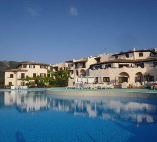 Welch ansprechende Architektur CalaCuncheddi Resort & Marina