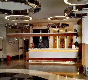 Rezeption mit Eingangsbereich - so stylisch! SENTIDO Gold Island