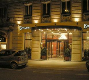 Haupteingang Hotel Bristol Salzburg