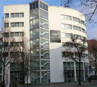 Blíck auf Hotel Victor's Residenz Hotel Berlin Tegel