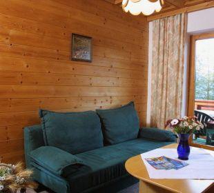 Wohnzimmer - Ferienwohnung Pension Ötzmooshof