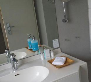 Badezimmer - Waschbecken  Romantik Hotel Bergström