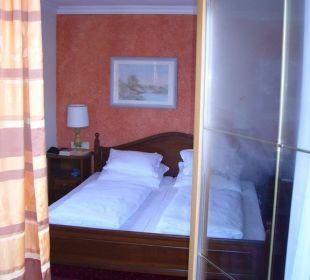Blick vom Balkon ins Zimmer Hotel Das Platzl