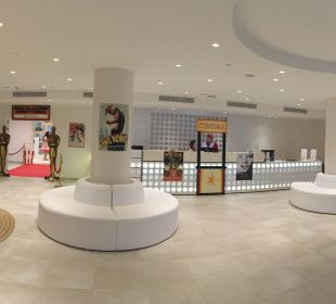 "Lobby zum Themenabend ""Sunset Cinema"" IBEROSTAR Santa Eulalia (Im Umbau/Renovierung)"