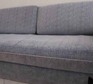 Sofa-taka zniszczona czy taka brudna? Hotel H10 Tindaya