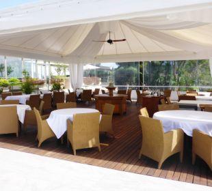 Ein Außenrestaurant Kontokali Bay Resort & Spa