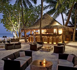 Totem Bar by night Hotel Constance Moofushi Resort