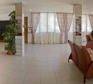 Reception OLA Aparthotel Cecilia