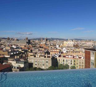 Kleiner Pool auf dem Dach Hotel Andante