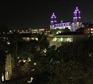 Hauptgebaüde und Ausbick zur Nachtzeit Lopesan Villa del Conde Resort & Spa