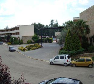 Sicht aus Appartement zur Rezeption Aparthotel Duva & Spa