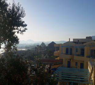 Blick aus dem Zimmer mit seitlichen Mehresblick Hotel Corissia Princess
