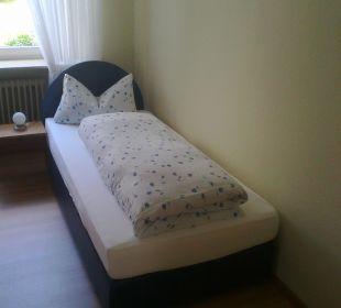 Einzelzimmer - Bett Kloster Maria Hilf