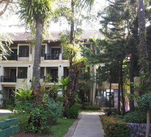 3-stöckiges Gebäude La Flora Resort & Spa