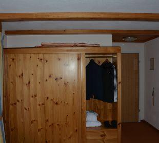 Kleiderschrank Sunstar Alpine Hotel Lenzerheide