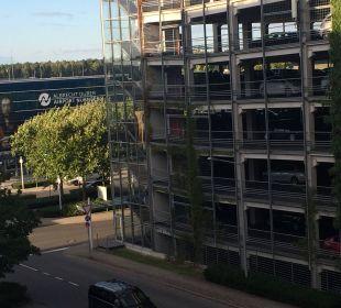 Ausblick vom Zimmer Mövenpick Hotel Nürnberg Airport