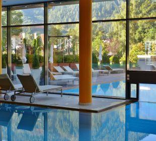 Pool von innen nach außen Hotel Travel Charme Fürstenhaus Am Achensee