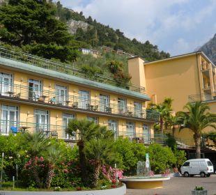 Unser Zimmer, oben in der Mitte Hotel Cristina