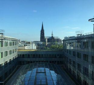 Hotel mit Blick aus dem Glasaufzug Dorint Hotel am Heumarkt Köln