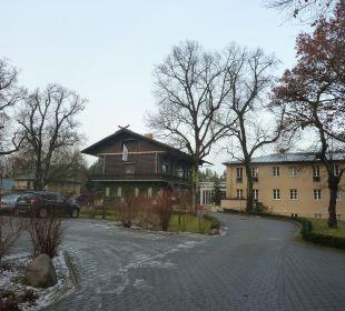 Hotel und Restaurant vom Parkplatz aus Relais & Châteaux Hotel Bayrisches Haus