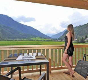 Komfortzimmer Terrasse mit einzigartigem Ausblick feel free Adventure Camp