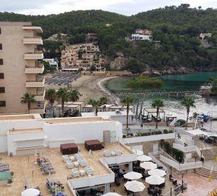 Sicht auf Nachbarhotel und Bucht Olimarotel Gran Camp de Mar