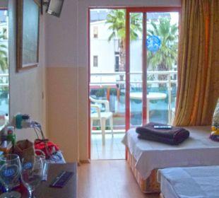 Zimmer mit vorgelagertem Balkon Hotel Wassermann