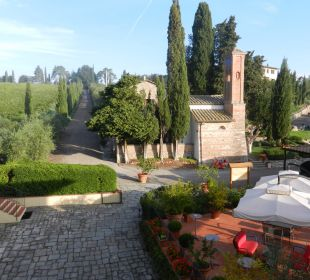 Blick auf Terrazza und Kirche Hotel & Wine Resort Villa Dievole