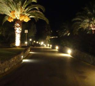Strasse zum Hotel (Blick vom Hotel aus) MarBella Corfu Hotel