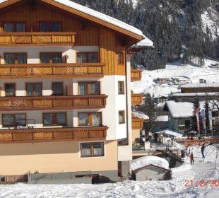 Blick von der Piste aus Hotel Roslehen