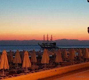 Abendstimmung am Strand Barut Arum
