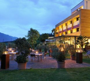 HOtel Abendstimmung Garten Hotel Residenz Pazeider