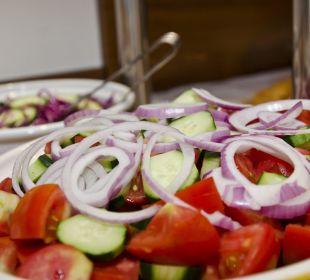 """Die """"Choriatiki"""" gehört zum täglichen Abendsbuffet Evdion Hotel"""