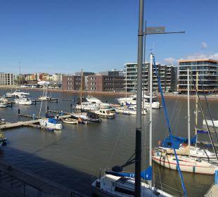 Ausblick auf den Jachthafen im-jaich boardinghouse bremerhaven