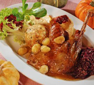 Frisches Ganserl, Apfelrotkraut, Bratapfel... Gasthaus Kramerwirt